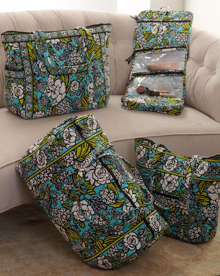 http://harrislove.com/vera-bradley-island-blooms-luggage-p-3572.html #MySuiteSetupSweepstakes