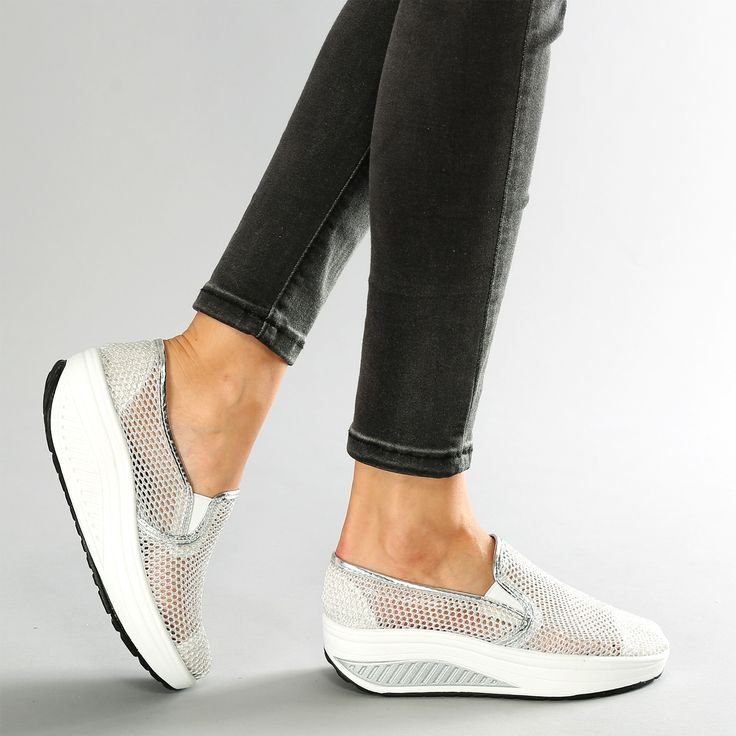 Slip on fitness con motivo traforato