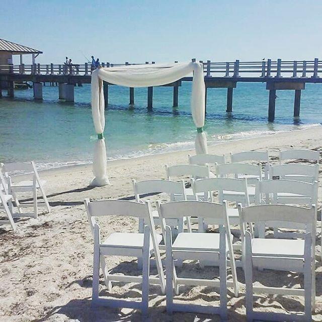 Florida Beach Weddings Through An Instagram Lens Suncoastweddings Floridabeachwedding South Carolina Beaches Florida Beaches Florida Beach Wedding