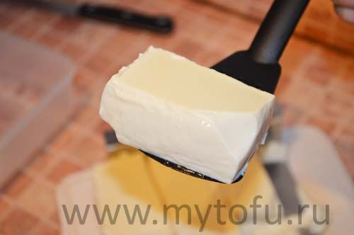 Шелковый тофу, приготовленный дома-стоимость 600 г шелкового тофу – 15 руб, или 25 руб за 1 кг.