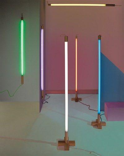 Lampadaire fluorescent LINEA by Seletti   design Selab   Alessandro Zambelli