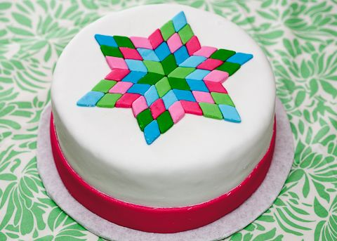 Quilting Cake Designs : 128 best images about Quilt/Knitting themed Cakes and Cookies on Pinterest Quilt designs ...