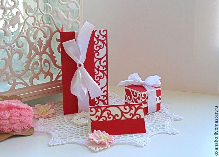 Купить или заказать Приглашение на свадьбу в интернет-магазине на Ярмарке Мастеров. Свадебное приглашение ручной работы выполнено из дизайнерского картона. Украшено атласной лентой. Край бумаги обработан ажурным узором. Внутри приглашения размещается любой текст по вашему желанию, возможно сделать внутри кармашек и вкладыш. Полная коллекция состоит из: пригласительного, карточки рассадки гостей, бонбоньерки для сладкого подарка гостям.…