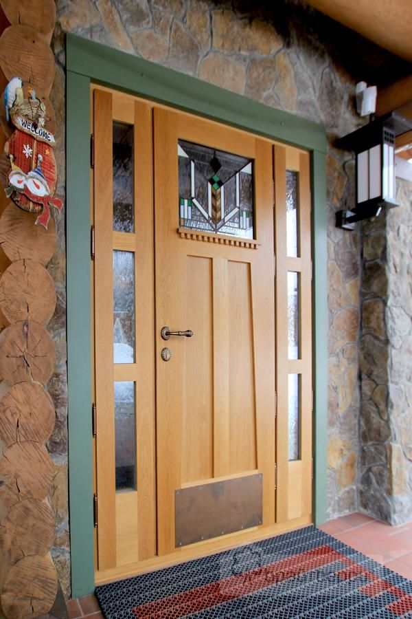 Изготовление дверей из дерева
