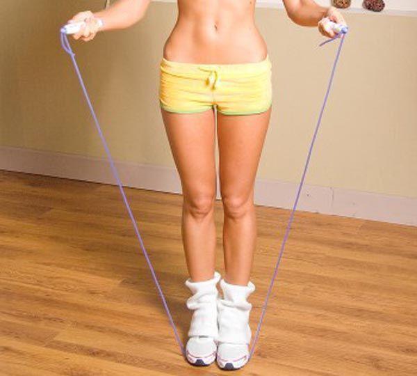 Прыжки со скакалкой – идеально в борьбе с лишним весом