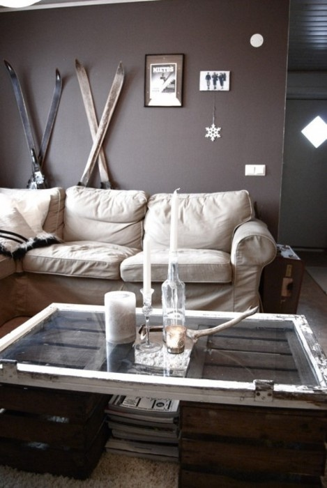Ski Cabin Themed room, love the use of old skiis