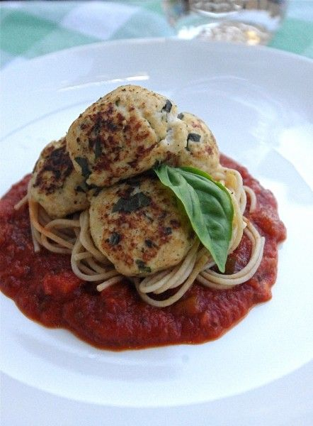 The tastiest meatballs ever, and healthy too! Turkey & Ricotta Meatballs