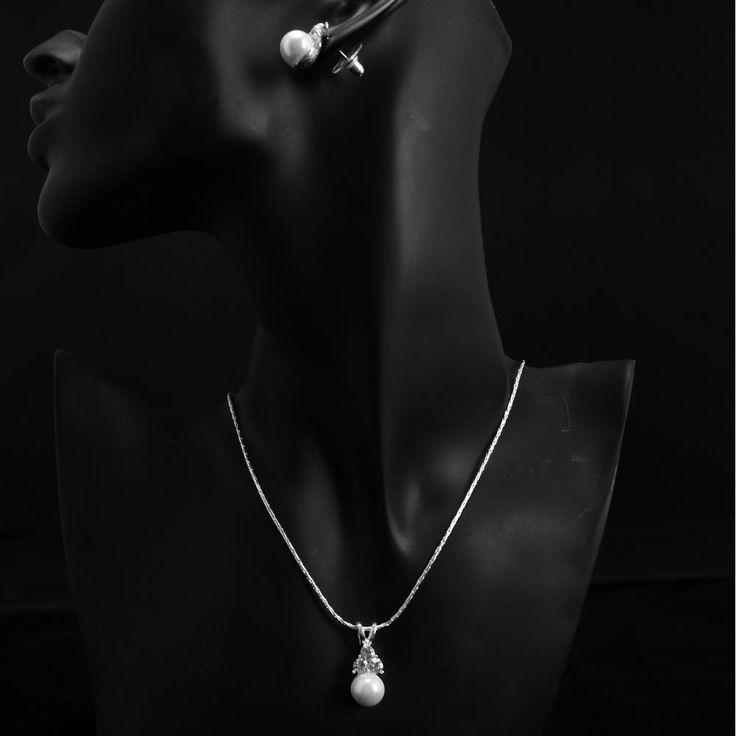 Pearl  Cream Classic Design Bridal Wedding Necklace Earring Set  $40.97
