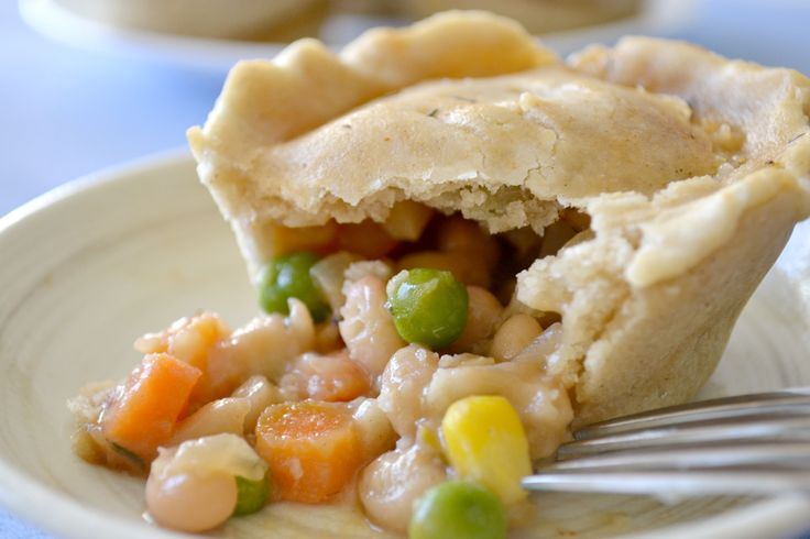 Pot Pie Cupcakes:  totally cute AND portion control!  Chicken optional.  {Fork & Beans: gluten, egg & dairy free recipes}