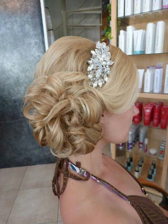 lovely wedding up do #weddinghair
