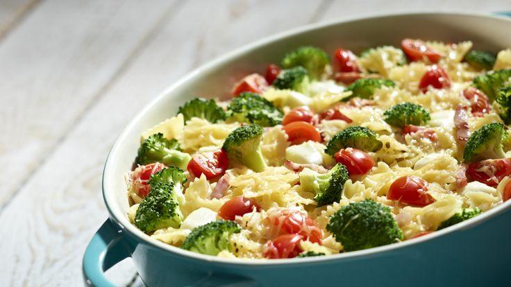 Pyszna zapiekanka makaronowa z warzywami i mozzarellą. Próbowałeś już?