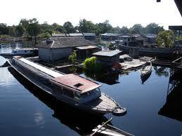 MBA Bali Tours - Houseboat on Borneo Tour