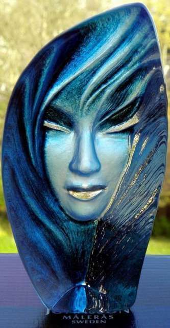 MATS JONASSON ART GLASS SCULPTURE NOVIATA BLUE SIGNED & NEW IN BOX