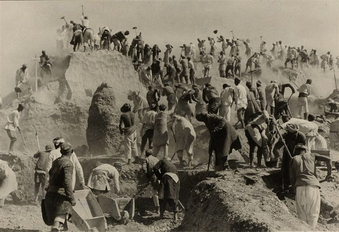 Max Alpert Construction site of the Fergana Grand Canal, Uzbekistan , 1939