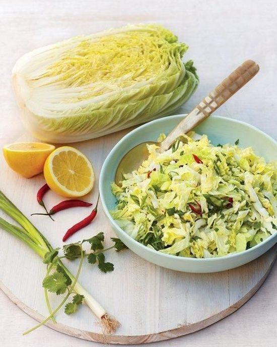 Kínaikel-saláta tojásos-mustáros öntettel