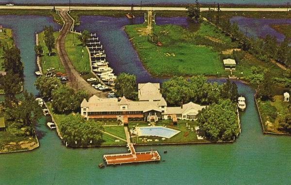 Island Yacht Club Harsens Island