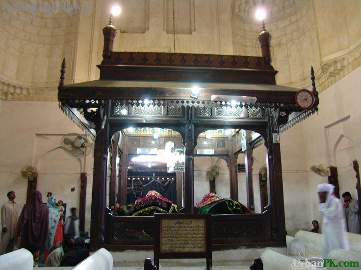 Principle tombs in the shrine of Bahauddin Zakariya (d. 1267) (Multan, Panjab, Pakistan)