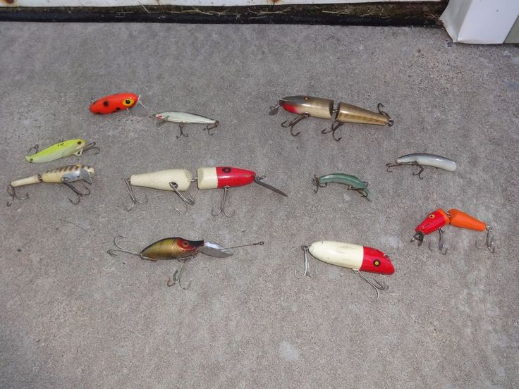 Vintage Fishing Lure Mixed Lot of 11 Lures Different Sizes