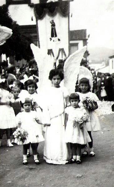 1957, Rosário, Cidade de Lagoa, Ilha de São Miguel  Procissão do Rosário (Procession of Rosário).