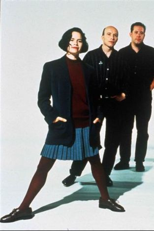 natalie merchant skirt and oxfords 1992