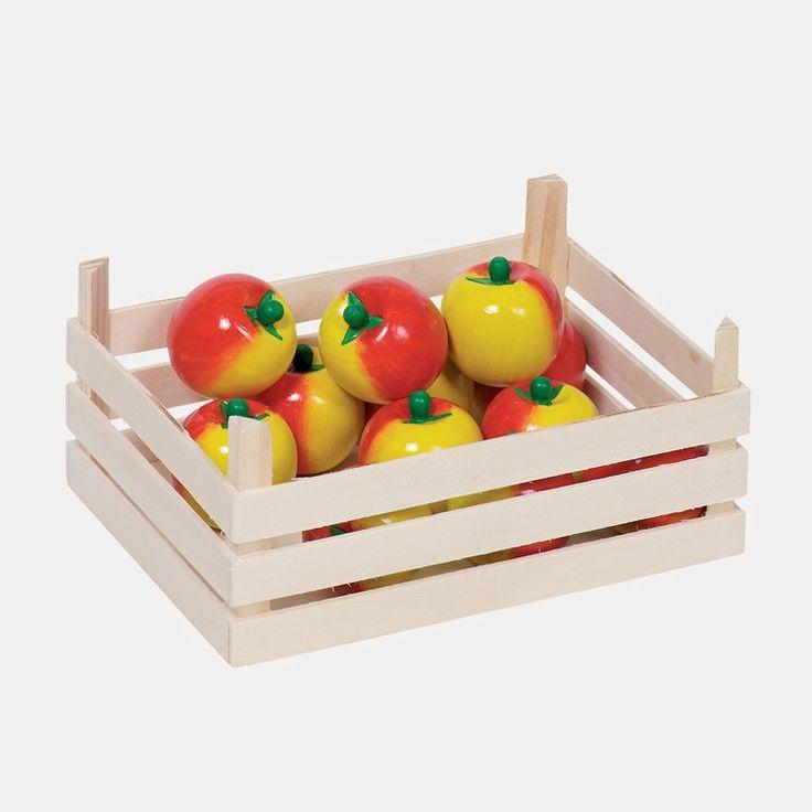 Kaufladen-Zubehör Äpfel aus Holz in einer Holzkiste, 10-teilig Egal ob am Marktstand oder im Kaufmannsladen, die Qualität von Obst und Gemüse muss geprüft, Herkunft und Anbau fachmännisch diskutiert und die kulinarische Weiterverarbeitung und Veredelung in der Küche unbedingt erörtert werden. Apfelkuchen, Tomatensauce, gebackene Bananen und viele Leckereien mehr, die zuzubereiten und zu verkosten sind. Die wunderschönen Holzfrüchte und –gemüsesorten in der Kiste finden im kindlichen Spiel…