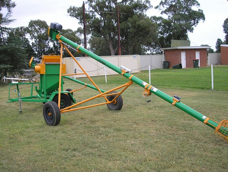 Pencil auger undercarriage - winch and Emerg stop on clamps