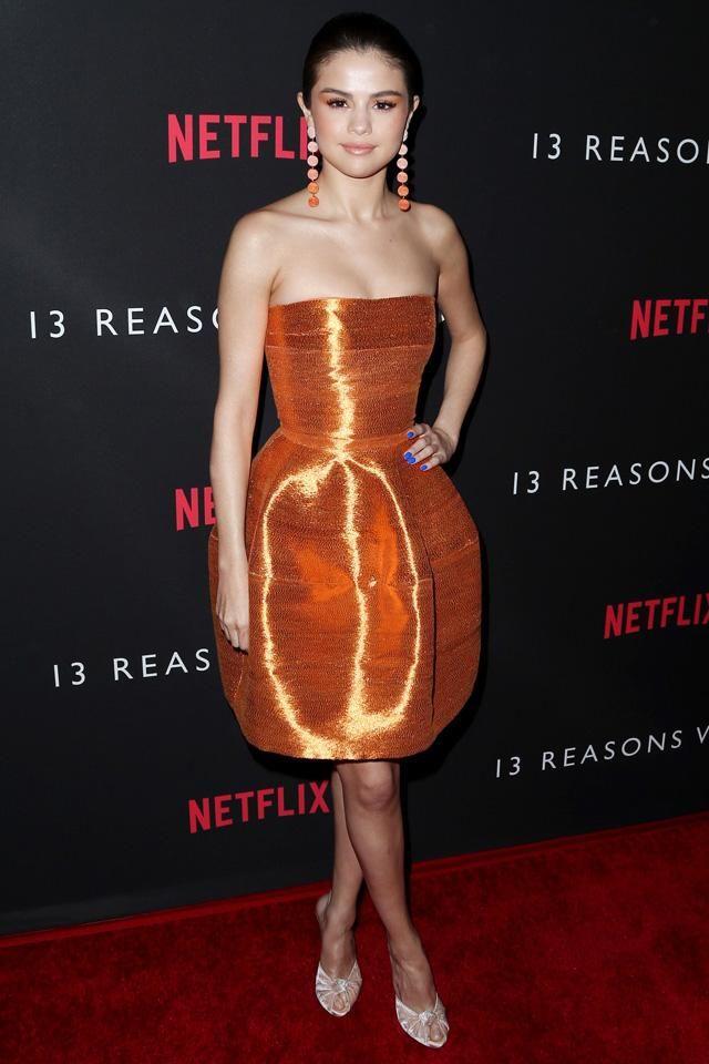 Mit szóltok Selena narancs szettjéhez? :)