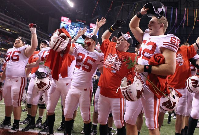 University of Wisconsin Football Players | Wisconsin Football: Why It's Big Ten Title or Bust for Badgers in 2012 ...