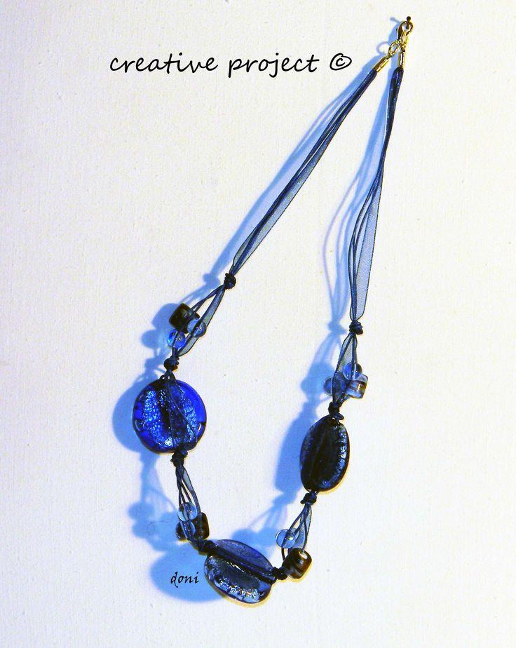 collana con organza blu