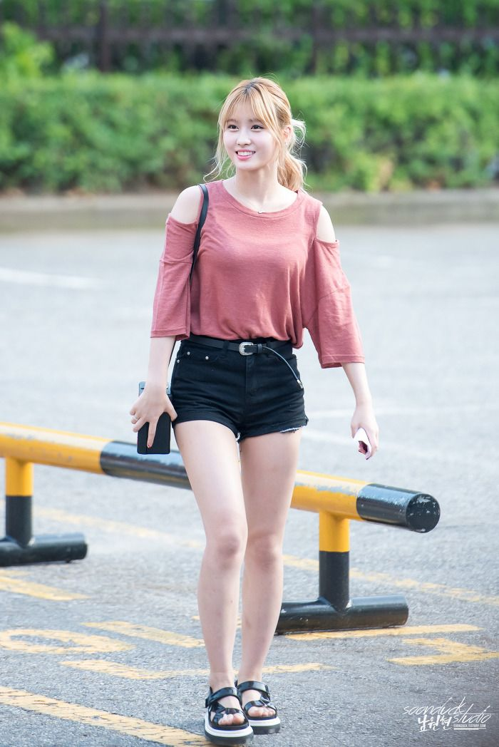 179 best Momo - TWICE images on Pinterest | Hirai momo Kpop girls and All star