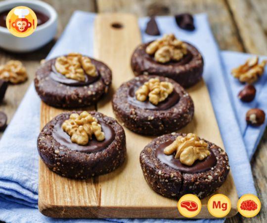 Czekoladowe, paleo batoniki w nietypowej formie!  #paleo #diet #nuts #bar #chocolate #walnuts #almonds #recipe #vegan #ideas #dessert #sweet #snack #food #foodporn #foodmonkeys #yummy #best #delicious #recipe