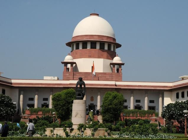 #Jammu #Kashmir Stop throwing stones, talks will follow: SC to Kashmiri youth Read here - http://u4uvoice.com/?p=260567