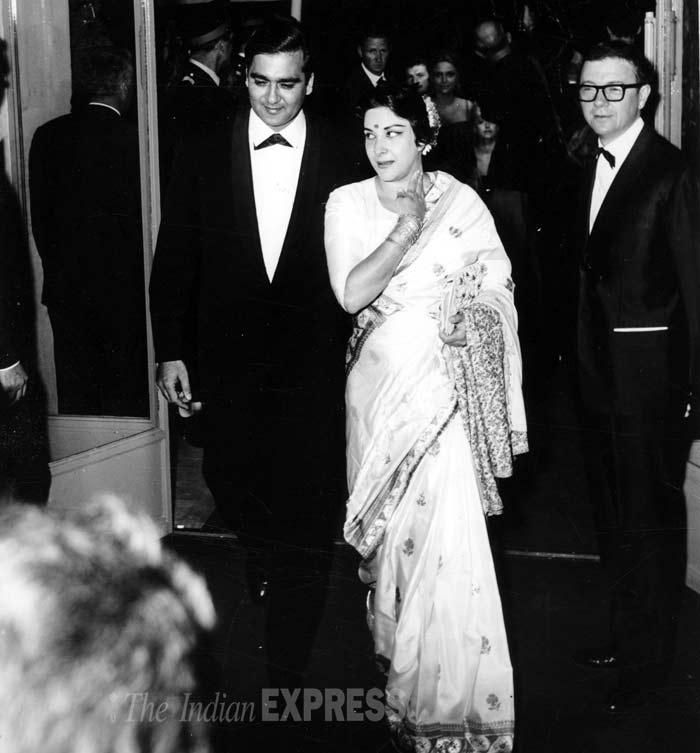 Image result for nargis and sunil dutt