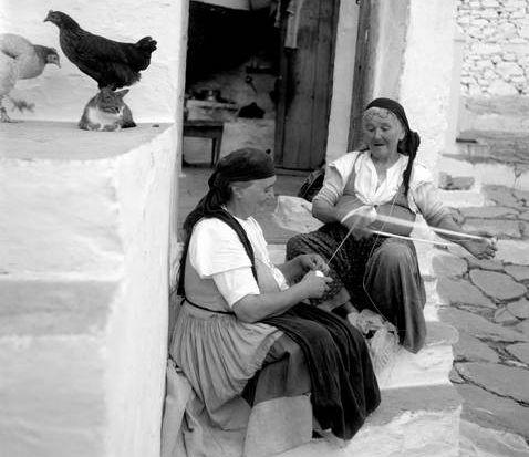 Σκόπελος. Μαζεύοντας το μαλλί (1947)