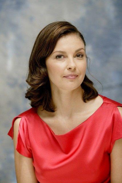 Фотосессия Эшли Джадд в портретной фотосессии Армандо Галло  2004