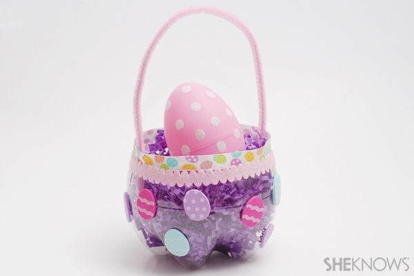 Simple kids easter basket made from a clear bottle!