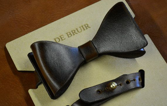 Leather BowTie // NeckTie // DickyBow // Mens neck wear by deBruir