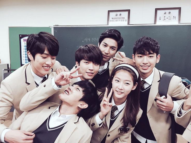 Sungyeol and Woohyun with High School Love On Casts ❤