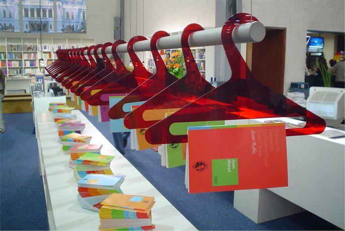 Stand de la Feria Internacional de Libro en Guadalajara (2004)