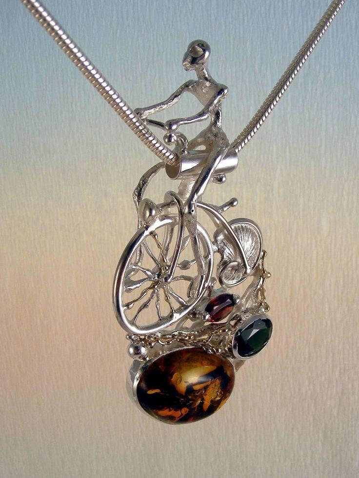 gregory pyra piro #konst #smycken #hänge #sterlingsilver och #guld med #ädelstenar