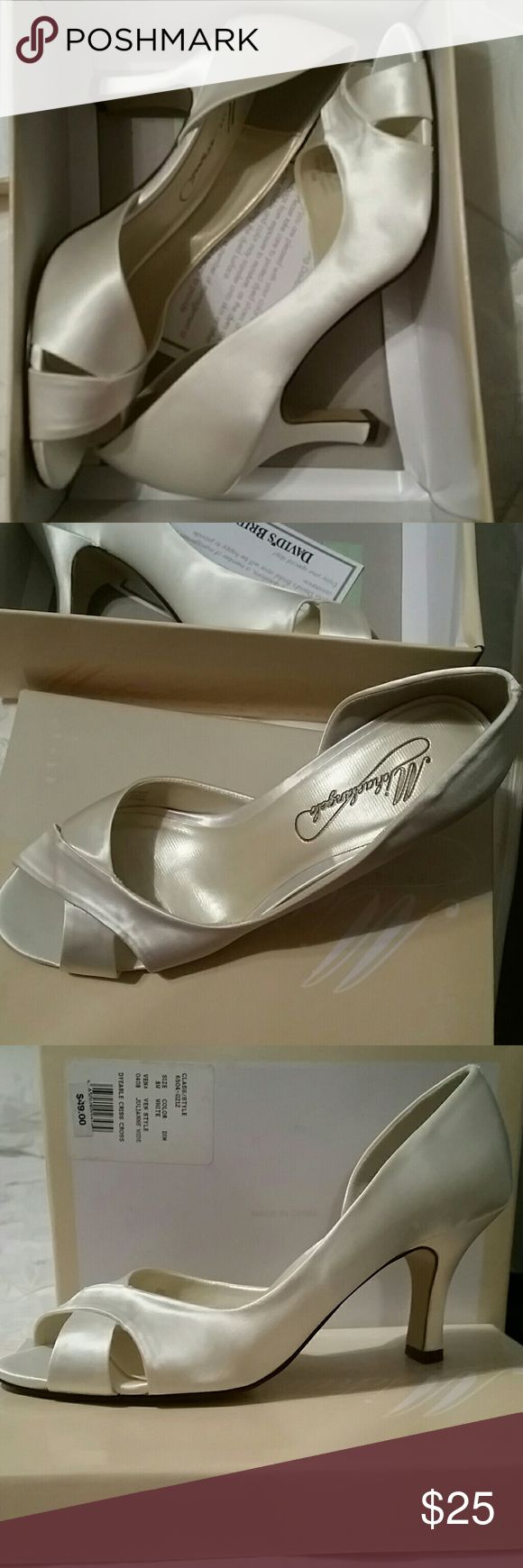 David's Bridal Shoe *SALE * Brand Michaelangelo. NEW  NEVER WORN OR DYED. 8W shoe . Style Julianne Wide. See photos for additional information /description. David's Bridal Shoes Heels