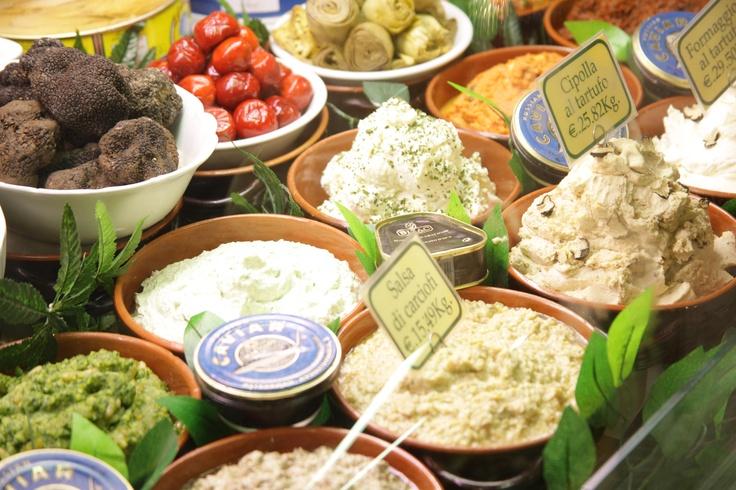 Spezie, Salse e Sapori del Giglio Rosso  - Firenze - via Panzani 35/r - via del Giglio 11/r - Tel. +39 055 211795 - Fax +39 055 283739www.ristorantegigliorosso.com/