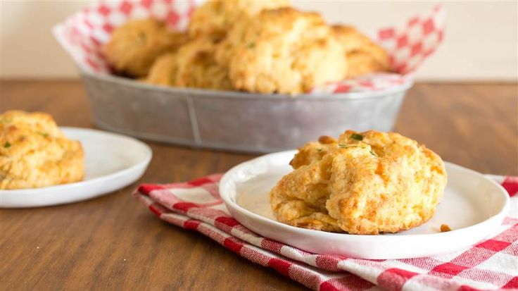 If your favorite Red Lobster menu item is the buttery cheddar bay biscuit, you'll love our easy at-home rendition.