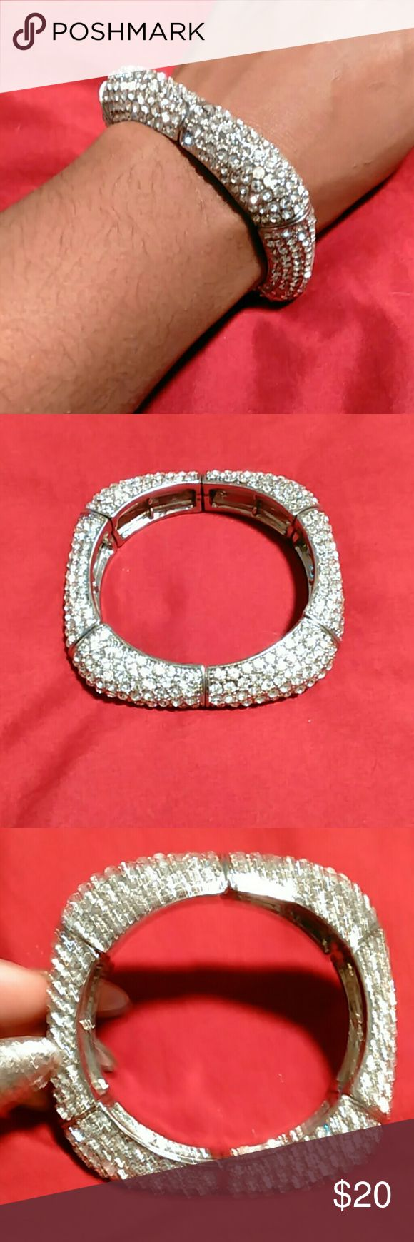 Cache' Bracelet Silver & Clear Crystal Square Stretch Bangle Inside Is  Circular 95 How To