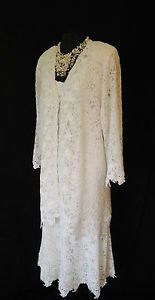 ANN BALON (Designer) Soft White Lace Skirt, Top & Jacket, 3 Piece Outfit, size XXL UK20/22, suitable for Mature Bride, Mother of the Bride/Groom, Wedding Guest, Races or any Special Occasion...