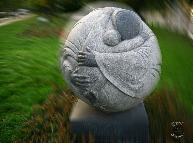 Földanya szobor
