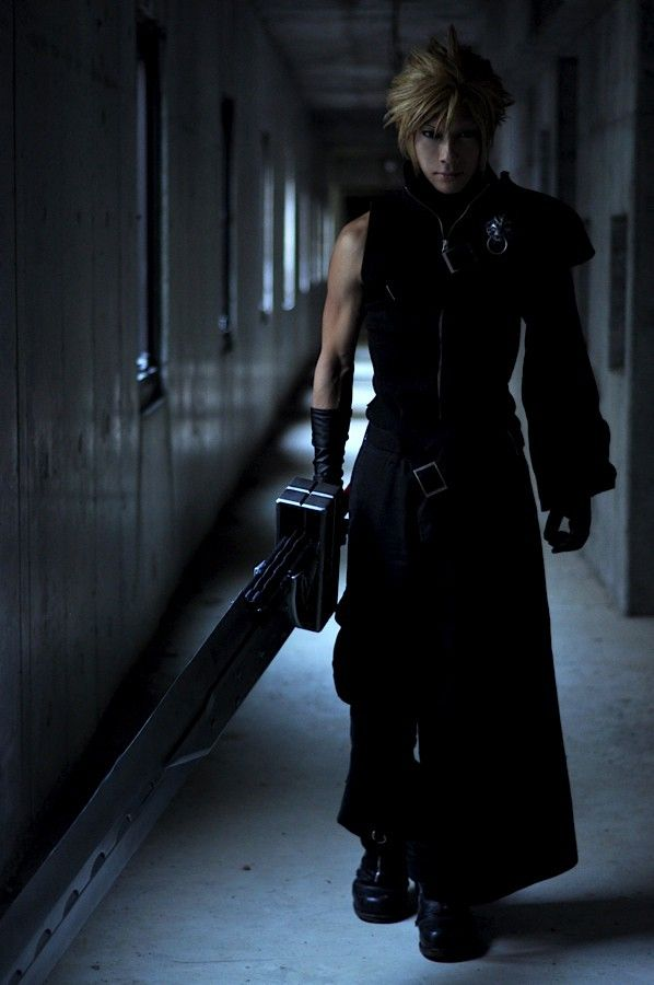 Cloud Strife Cosplay.