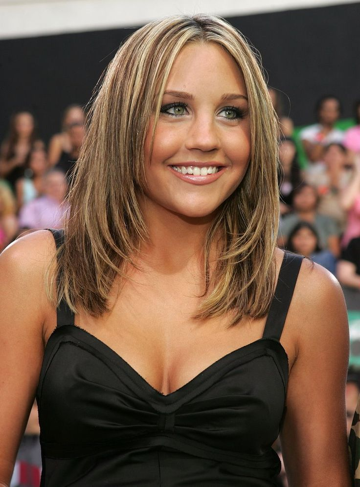 Beautiful and talented Hollywood actress Amanda Bynes  https://www.facebook.com/pages/VIP-Premium-Domains/196530397142530