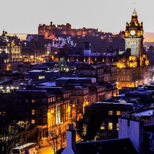 夜景も綺麗なスコットランドの「エジンバラの市街地」スコットランドの魅力                                                                                                                                                                                 もっと見る