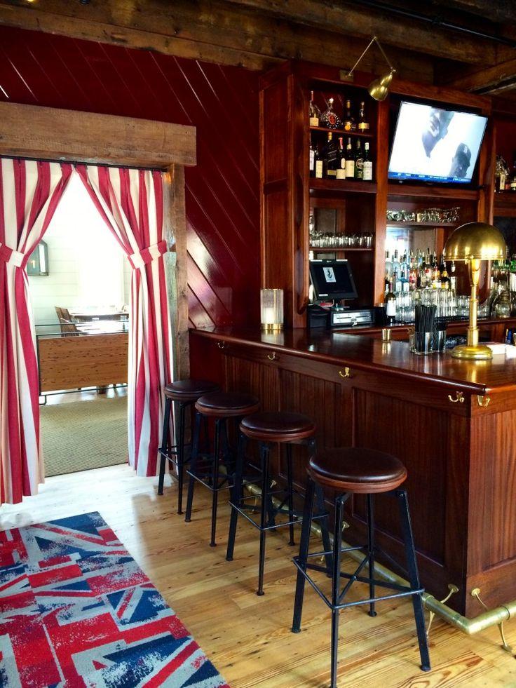 Restaurant Love: Midtown Oyster Bar | The English Room                     #VisitRhodeIsland